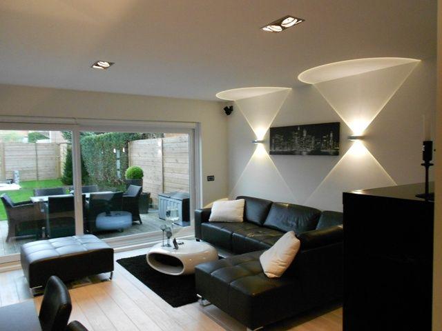 verlichting tegen gemene muur 5 lichtpunten voorzien van
