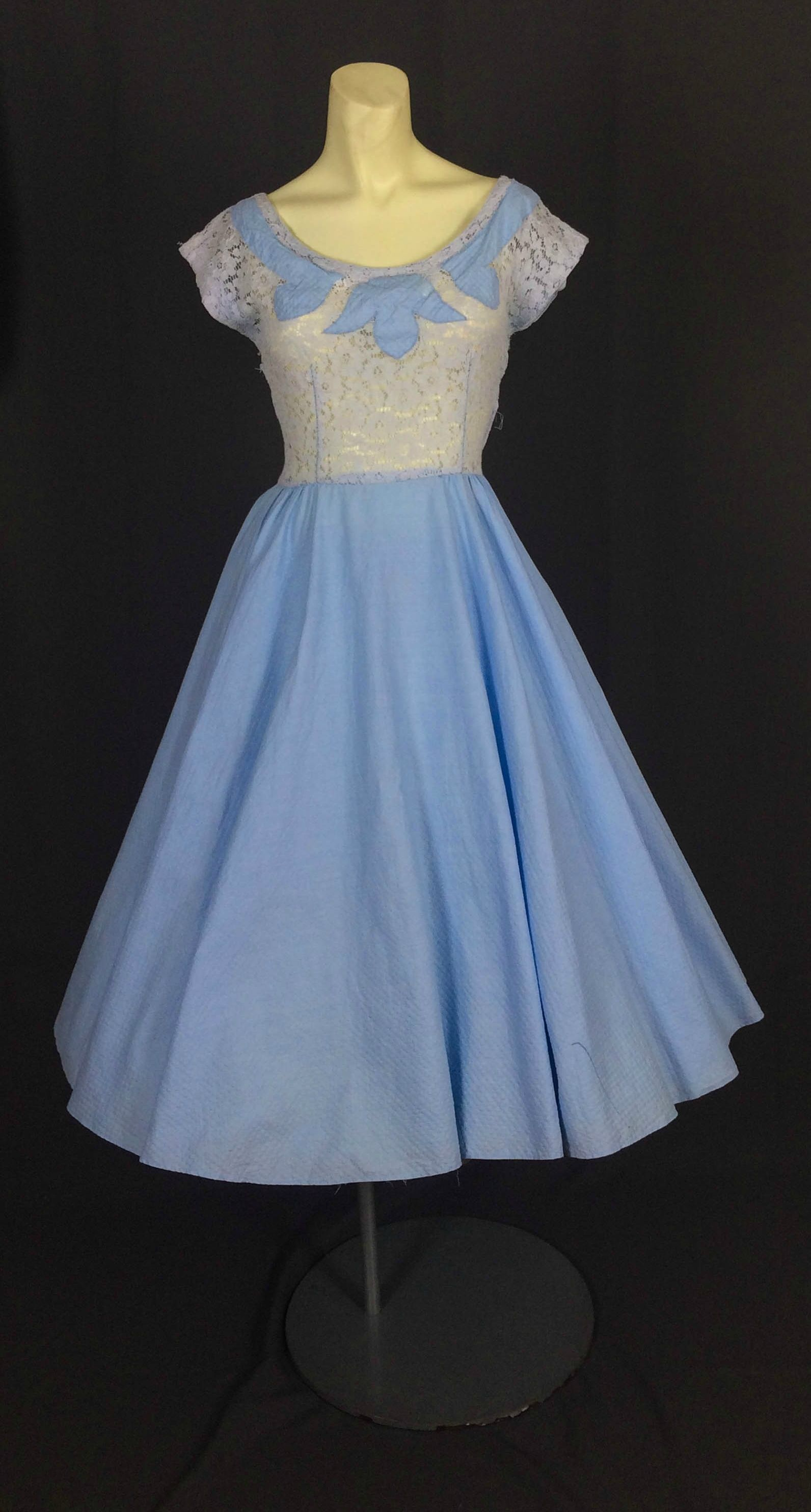 1940s Lace Dress - KayDoveVintage #1940s #40s #50s #1950s #forties ...