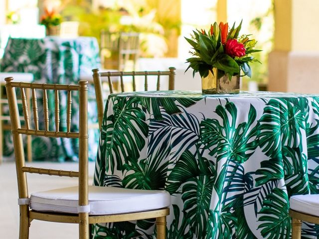 Tropical Gala for Incentive Program in Aruba Inspired Design to highlight the location @theritzcarltonaruba | Planning, Design and Production: Eight One Events, #aruba #corporateevents #floral #tropical #eightoneevents #incentiveevents #gala #awardsdinner  #palmleaflinen