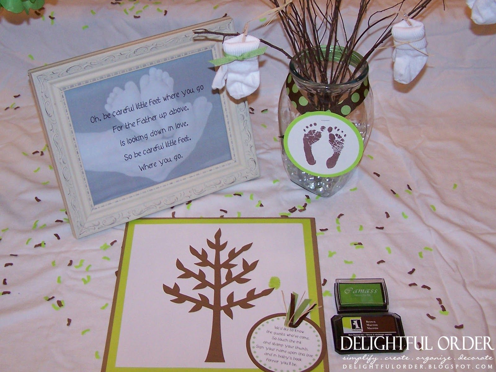Book themed baby shower ideas this little tree was the guest book book themed baby shower ideas this little tree was the guest book that the guests solutioingenieria Image collections