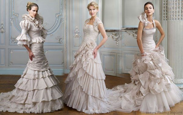 romantic feel. Although ruffles are certainly nothing new in the bridal ...    deanwulansari.blogspot.com