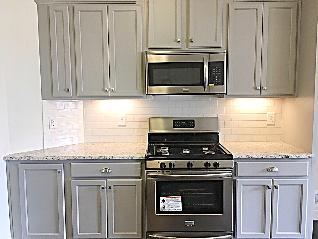 Stainless Steel Appliances Are The Only Way To Go When It Comes To A Modern And Timeless Feel New Home Construction Home Construction Kitchen