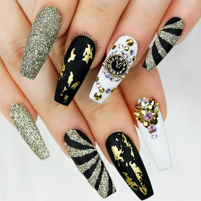 27 Stunning Gold Foil Nail Designs to Make Your Manicure Shine ...