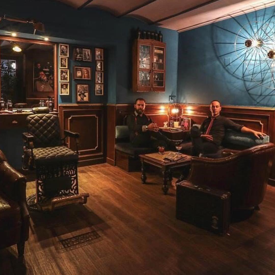 Imagen De Gregory Whiteside En Pub En 2020 Diseno De Barberia