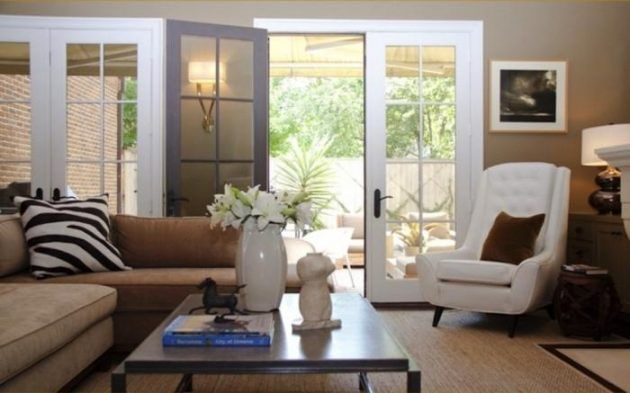 17 Brilliant Living Rooms With French Doors That Will Delight You Living Room Furniture Layout Country Living Room French Country Living Room