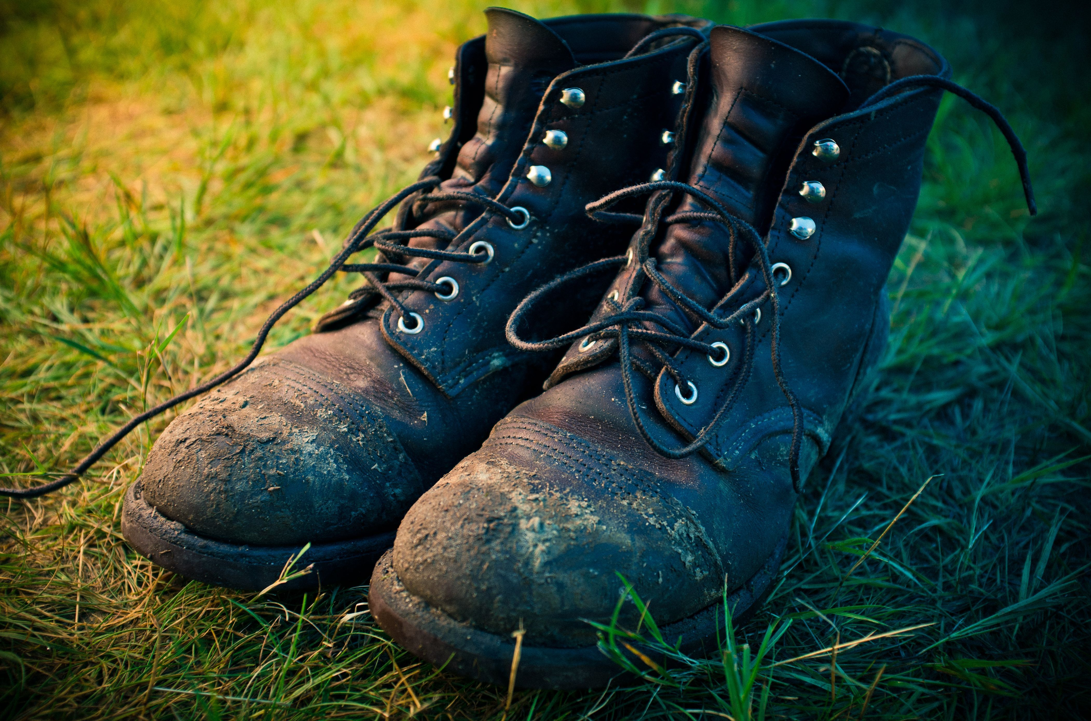 How to clean moldy leather clothes and shoes clean boots