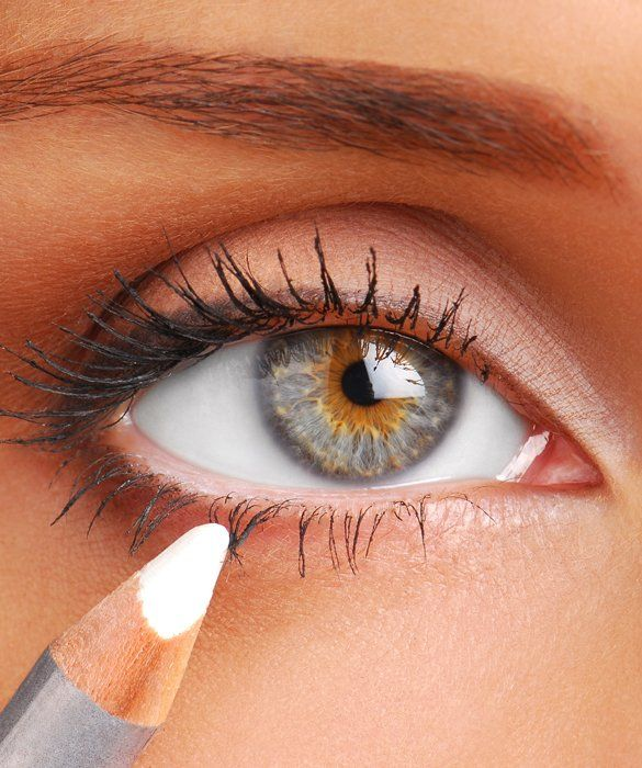 Try these easy little tricks to hide dark circles, puffy eyes, and wrinkles