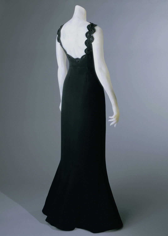 Philadelphia Museum Of Art Collections Object Woman S Evening Dress 1940 Paris Elsa Schiarparelli Designer Evening Dresses Dresses Fashion [ 1500 x 1070 Pixel ]