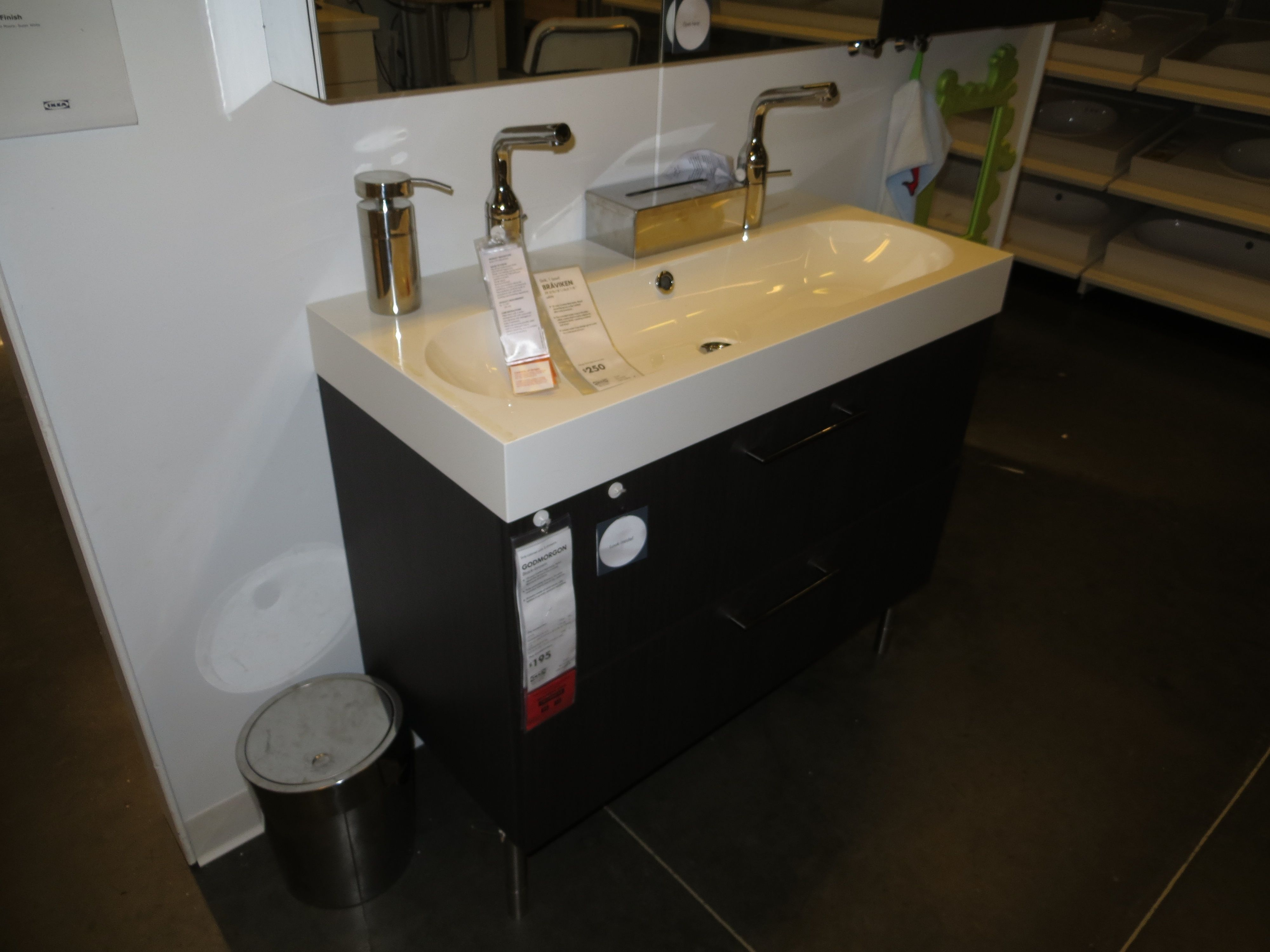 Single Basin Double Faucet Bathroom Sink Wooden Bathroom Vanity