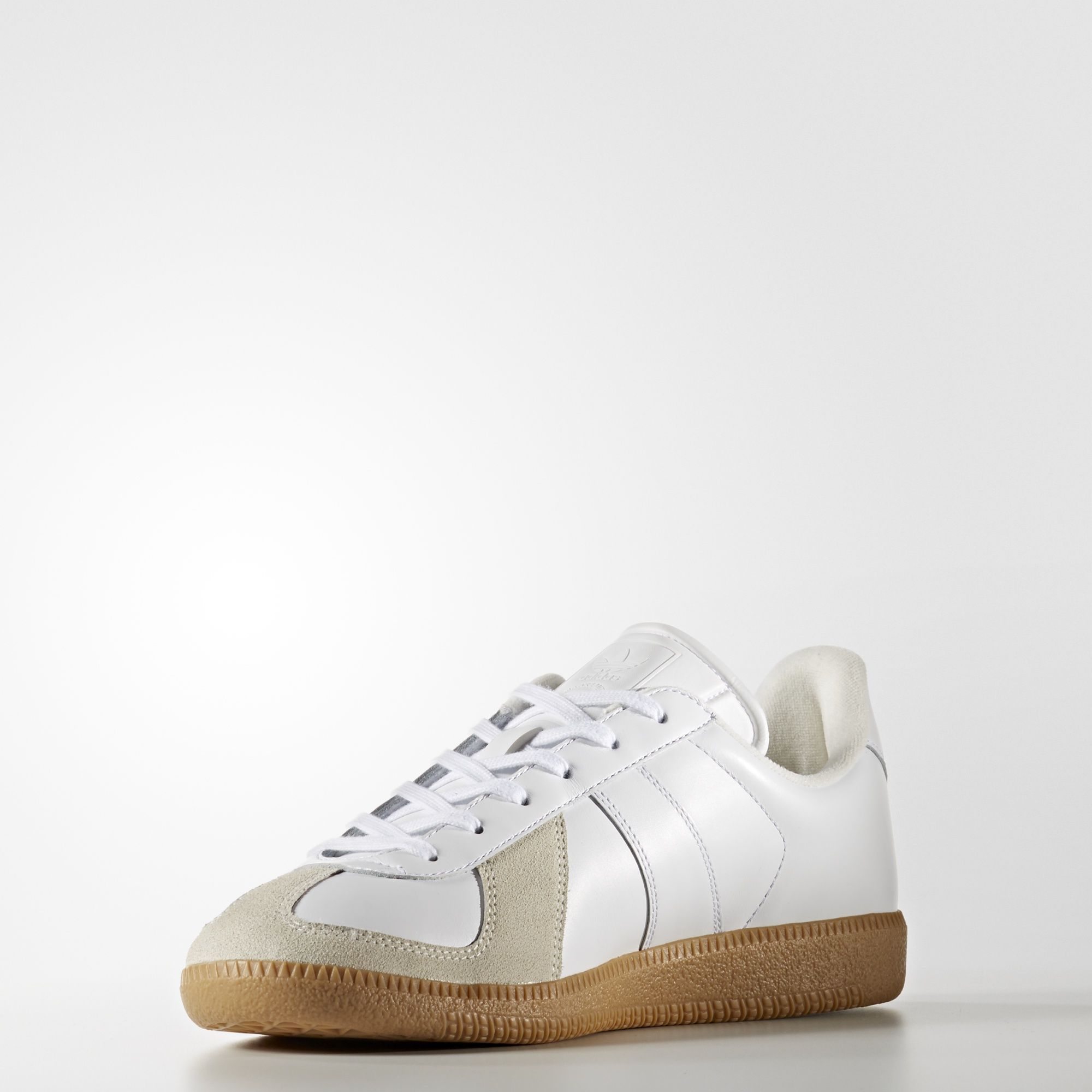 Muy enojado tanto Pulido  adidas - BW Army Shoes | An authentic replica of a vintage German army  indoor trainer, these shoes bring back a classic look. The upper is made of  leather and f…