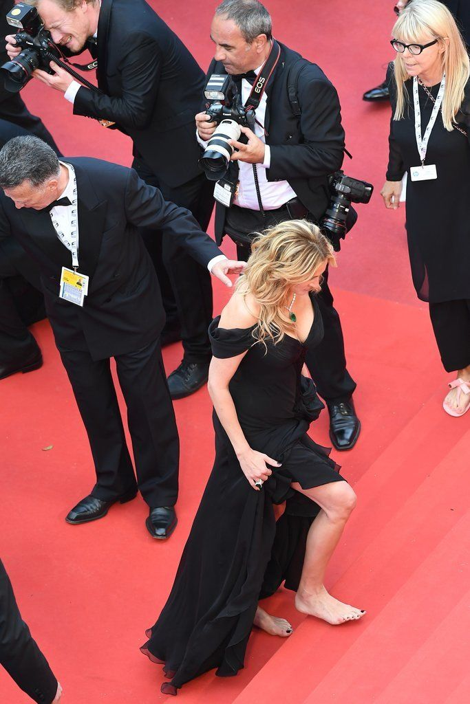 Julia Roberts Ditched Her Heels on the Red Carpet —but Wait Till You See What For