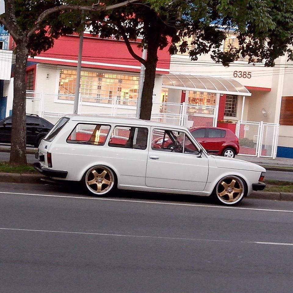 Fiat 147 Brasil Com Imagens Carros E Caminhoes Carros Baixos