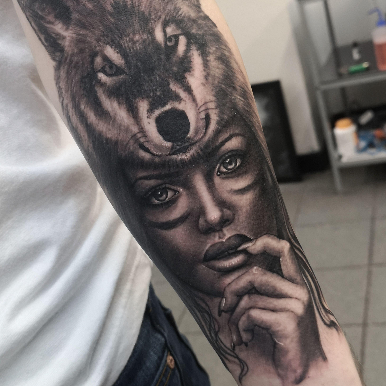 Wolf And Woman Tattoo In 2020 Headdress Tattoo Dog Tattoos Wolf Girl Tattoos