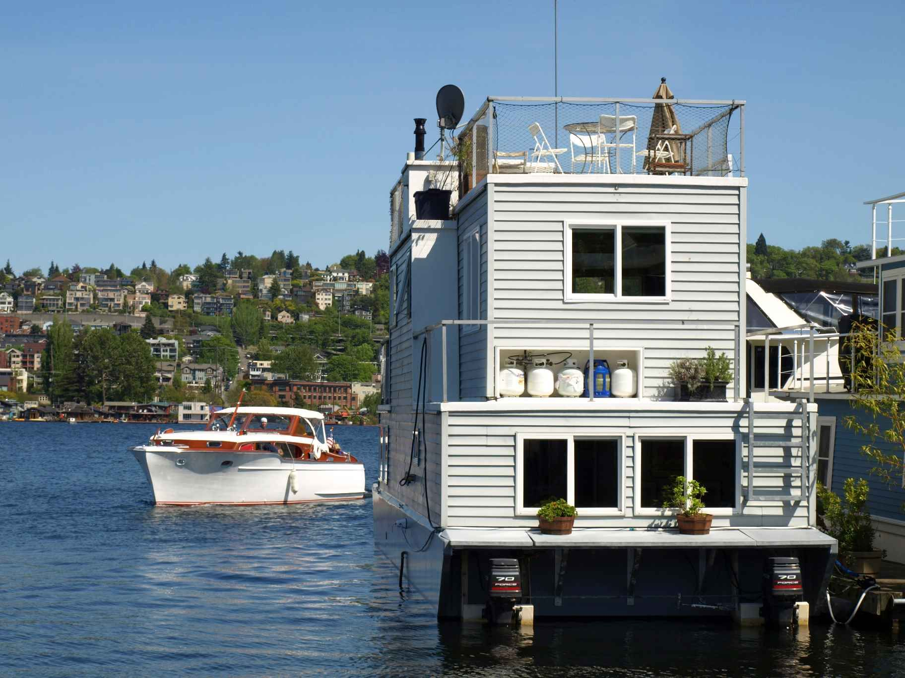 High Quality Unusual Houseboats | Experience The Unique Seattle Houseboat Lifestyle  Fabulous Location .