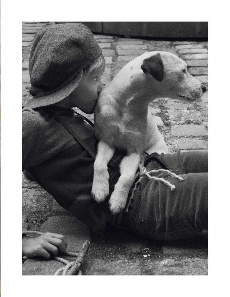 Claire Dhelens • Kids  Vogue Enfants - Phot. : Benoît Peverelli
