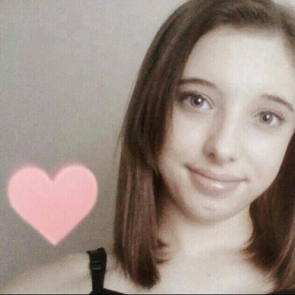 This is my youtube profile pic. I have a channel, pleasee subscribe: Ava Beck and watch and like my two videos please ♥