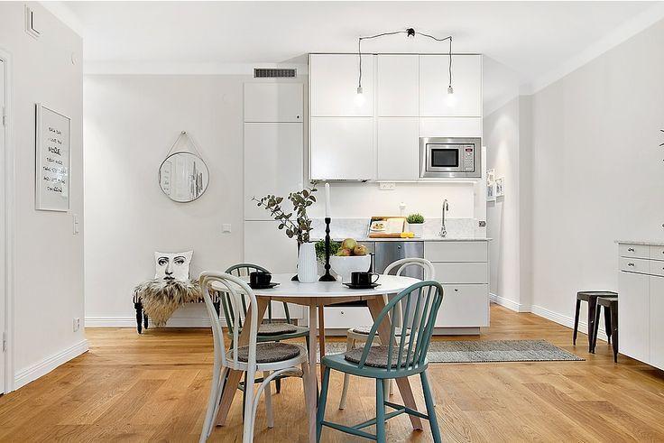 Wpis Jadalnia W Domu W Kuchni Czy Razem Z Salonem Stoly I Krzesla Kitchen Style Bold Kitchen Kitchen Decor