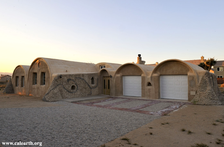 Build Your Own Green Home build your own disaster-proof earth home using materials of war