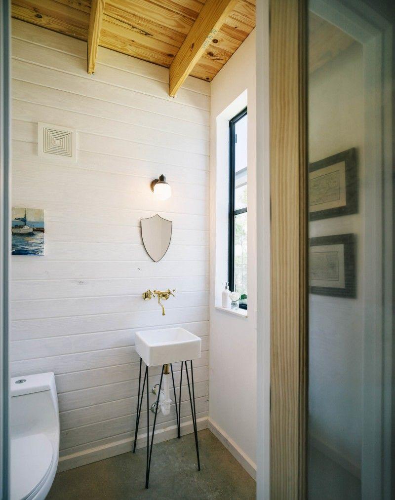 Landelijke badkamer met wit geverfd hout - interieur/inspiratie ...