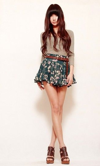If that skirt was longer, this would be perfect. Maybe with some leggings, too...