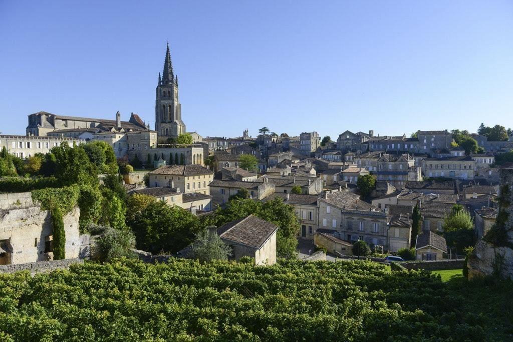 Saint-Emilion, Gironde, France ️🌍😍   Bordeaux france, St ...