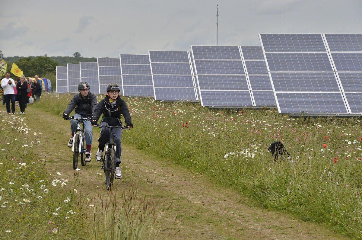 Community solar farm Wikipedia in 2020 Solar, Solar