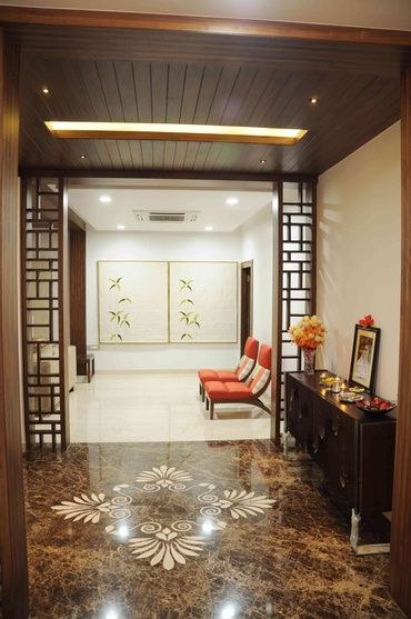 10 Rules To Keep In Mind When Decorating A Living Room: Corridor With Wooden Ceiling