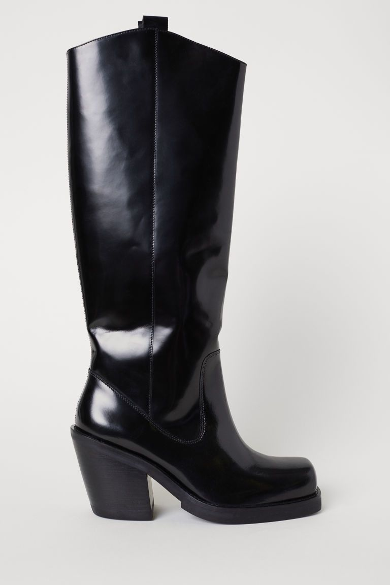 Knee-high Leather Boots in 2019   Fall Winter Trends 2018-2019 ... e15205b25c