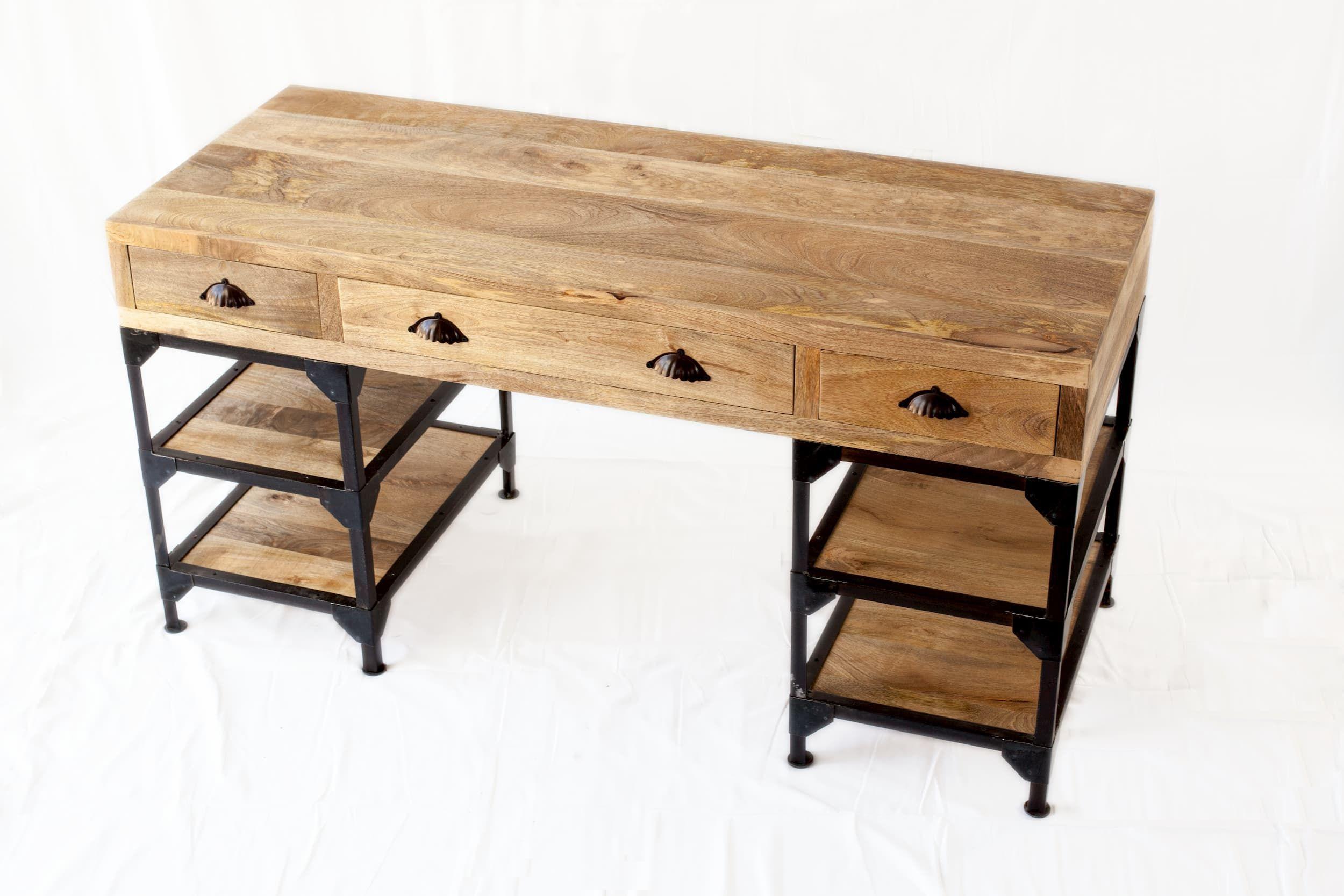 Bureau Au Style Industriel Au Design Simple Et Fonctionnel