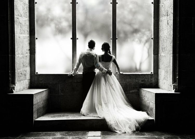 Photo de mariage originale en 105 id es super cr atives treinte romantique et photos de - Photo romantique noir et blanc ...