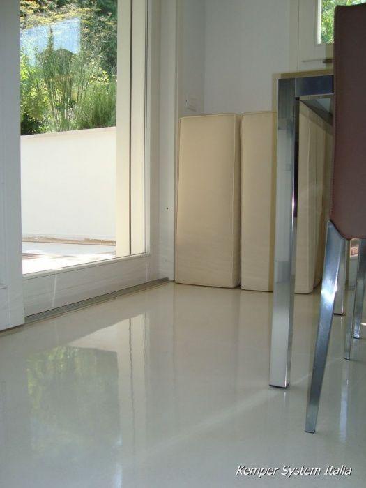 Cucina in resina autolivellante pavimenti in resina autolivellante dekoflash one pinterest - Pavimenti decorativi in resina ...
