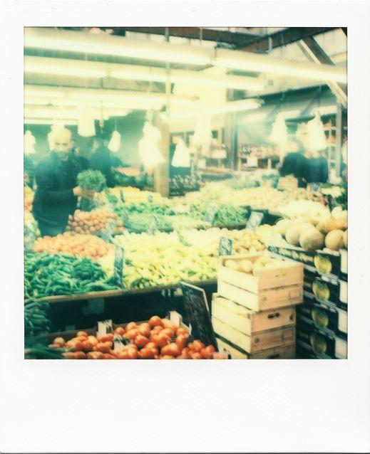 Grande Halle des Puces #Marseille #polaroid #Puces #marché / www.marseillepolaroid2013.com