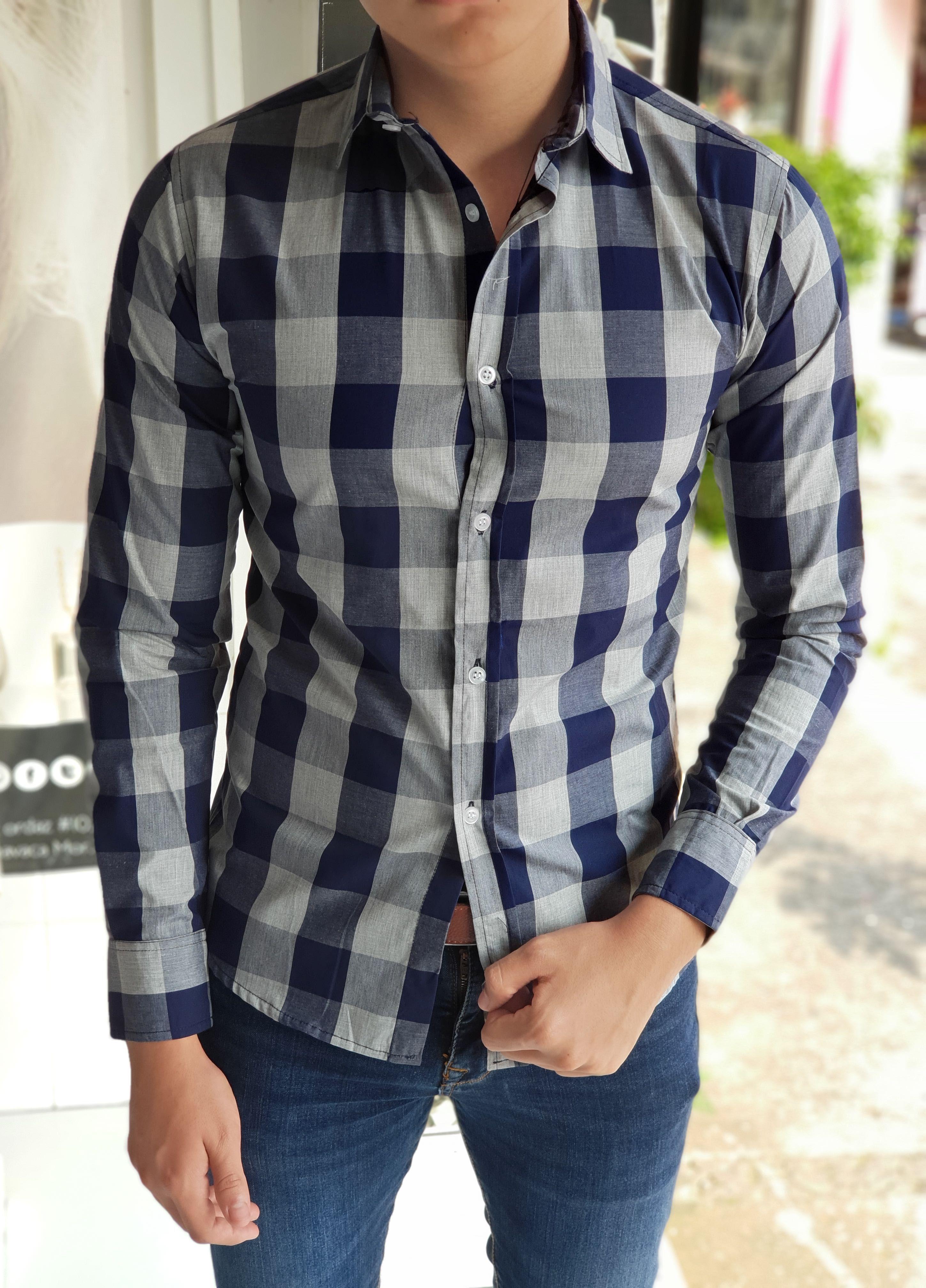 Outfit para hombre  camisa de cuadros marino y gris en manga larga y jeans  de mezclilla  edbf5821dda84