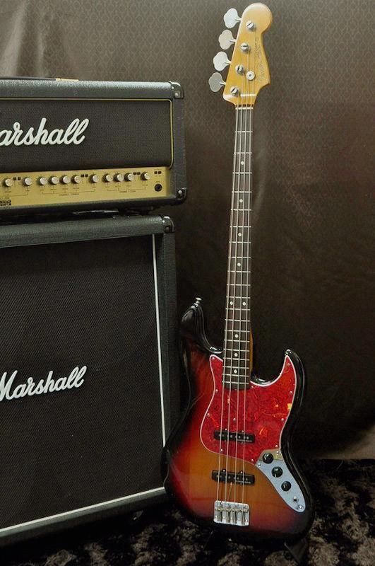 25+ best Fender japan ideas on Pinterest  Fender guitars, Stratocaster guita -> Table Bass Télé