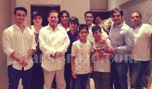 salman-khan-and-family-eid-occasion-starscraze