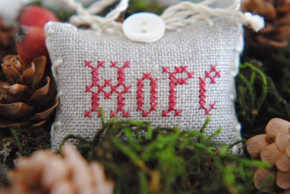 DIY lavender pillows, so popular, but I love this cross stich!!