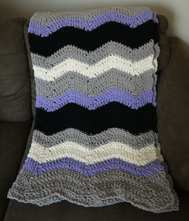 Chevron Blanket crochet pattern with Bernat Blanket Yarn | Learning ...
