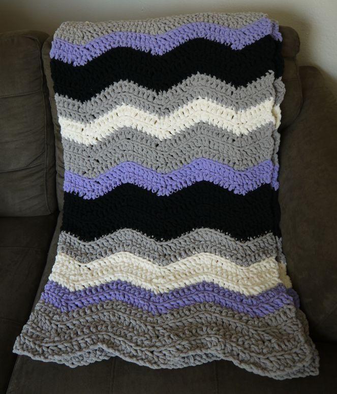 Chevron Blanket crochet pattern with Bernat Blanket Yarn | Learning ...
