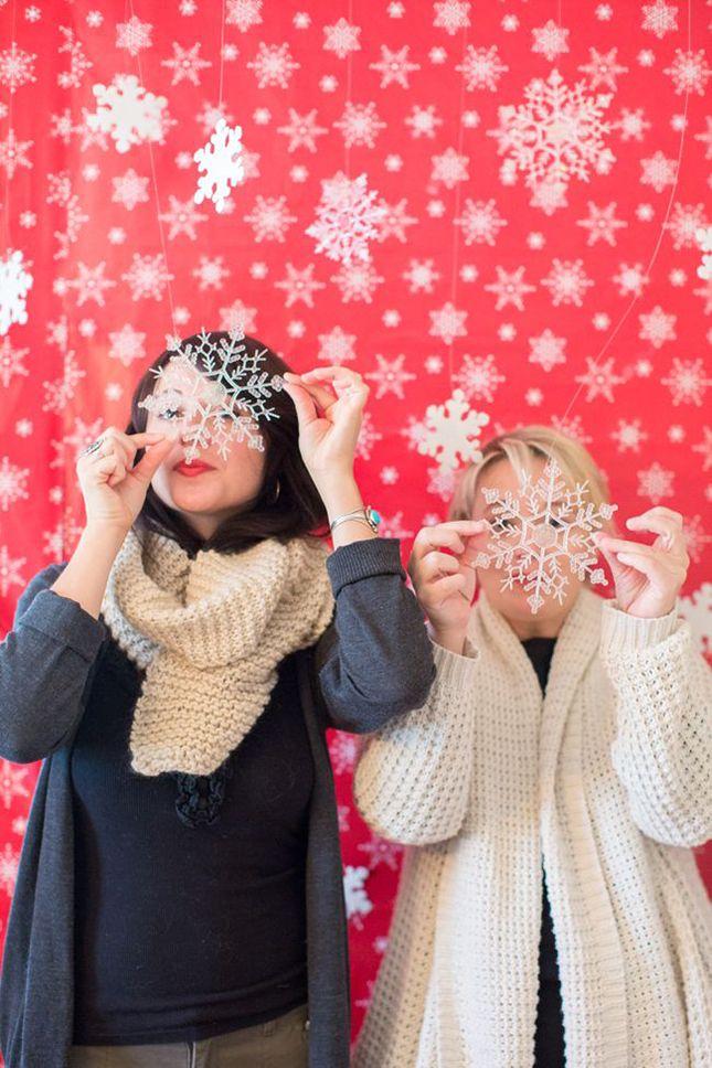 Christmas Party Photo Booth Ideas Part - 25: U0027Tis The Season To Smile: 15 Holiday Photo Booth Ideas