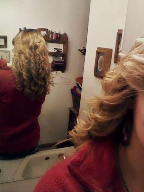 #Curled #Hair #pretty #prom #datenight
