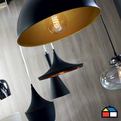 Las #lámparas colgantes mezclan el diseño y lo funcional. Suelen ubicarse principalmente en áreas comunes de preferencia al centro o sobre la mesa.