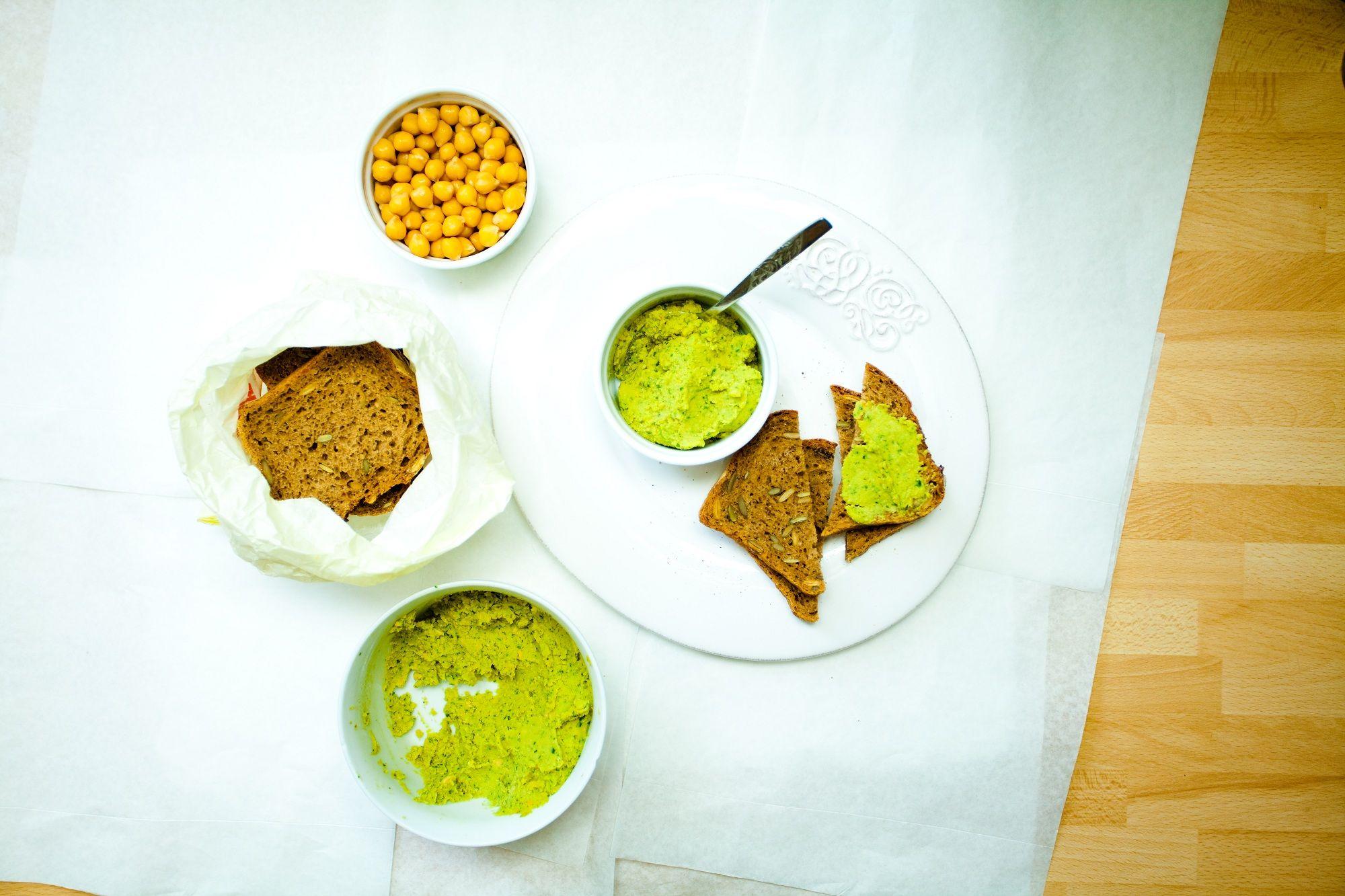 humus z cieciorki-ciecierzycy