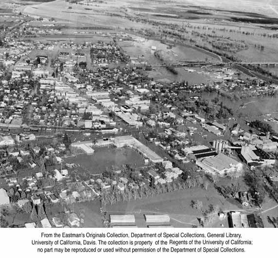Yuba City Pictures 1955 Flood At Yuba City Calif B 8949 Yuba City California Yuba City City