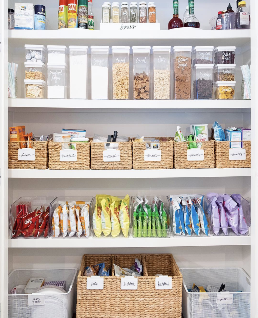 13 Best Kitchen And Pantry Organization Ideas: Organised Pantry Inspiration
