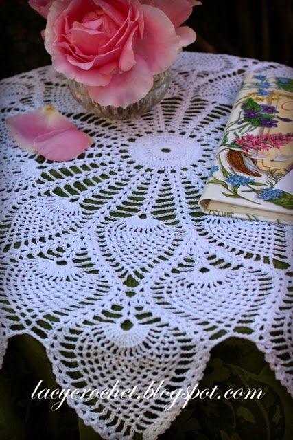 Royal Pineapple Table Topper, vintage pattern 1946 | pano de croche ...