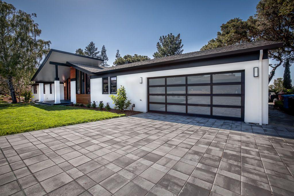 AvBuilders Mid Century Modern Ranch Garage Door