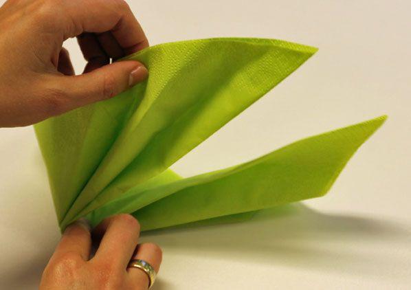 Servietten falten Blatt Schritt 6