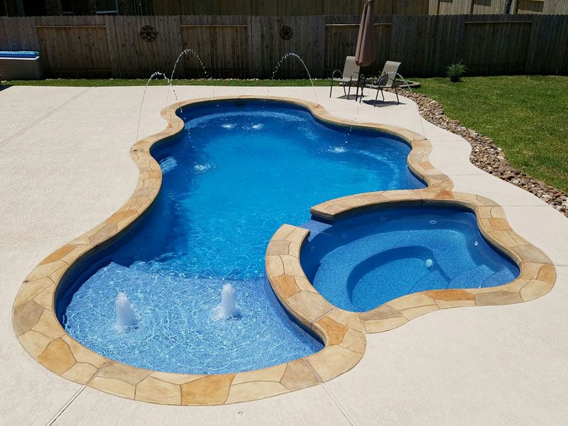 Pin By L B On Backyard Fiberglass Pools Swimming Pools Backyard