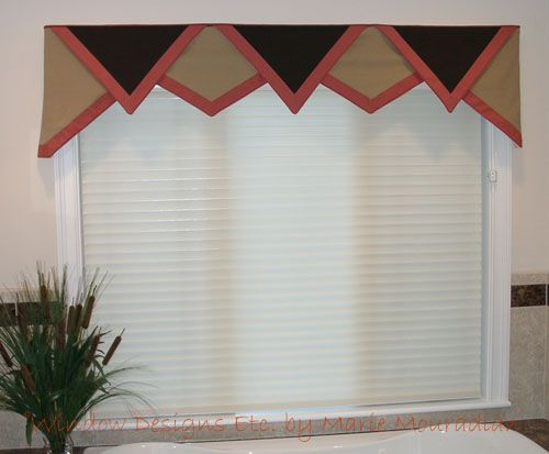 Triangle Valance with Tangerine Tango Border