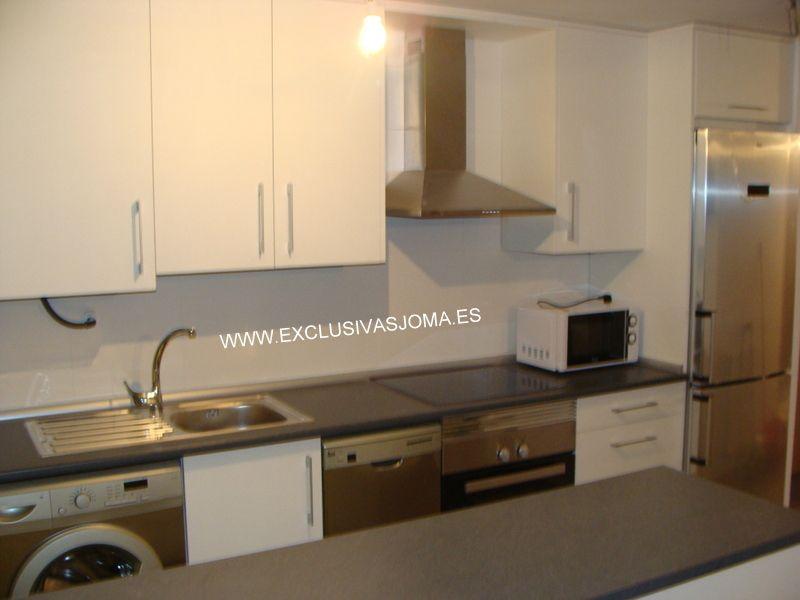 Muebles de cocina a medida para las viviendas jóvenes en tres ...